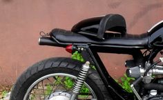 Removable Double Seat Cowl (by saintmotorbikes.blogspot.com)