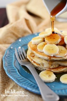 """Homemade banana pancakes are easy and delicious - the words out of my husband's mouth: """"These are the best pancakes I've ever had! Chocolate Chip Pancakes, Pumpkin Chocolate Chips, Banana Pancakes, Fluffy Pancakes, Protein Pancakes, Breakfast Dishes, Breakfast Recipes, Pancake Recipes, Pancake Breakfast"""