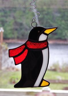 Stained Glass Penguin Ornament / Suncatcher by RedfordGlassStudio Stained Glass Ornaments, Stained Glass Christmas, Stained Glass Birds, Stained Glass Suncatchers, Stained Glass Panels, Stained Glass Projects, Leaded Glass, Mosaic Glass, Fused Glass