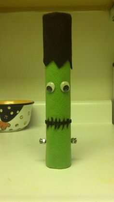 Paper towel roll,felt, hot glue, and googly eyes and this is the product! :)    Paper towel roll crafts-toilet paper roll crafts