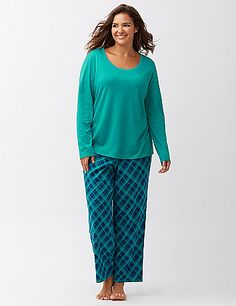 Cute, cozy and colorful in so many season-perfect prints, our 2-piece knit PJ sets make great gifts (if you can part with 'em, that is!) Solid, long sleeve top with ribbed trim at the scoop neck. Printed pull-on style pant with an elastic waist. lanebryant.com