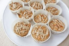 I k Cinnamon Swirl Muffins Makes: 2 Ingredients: 2 cups almond meal 2 eggs Cinnamon Muffins, Cinnamon Recipes, Almond Recipes, Yummy Treats, Delicious Desserts, Sweet Treats, Healthy Desserts, Healthy Recipes, Muffin Recipes