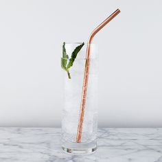 Add a touch of class to any cocktail with these copper straws. An added bonus is that the copper ensures the drink stays ice cold until it hits your lips. Product Details: - Set of 4 - Stainless steel