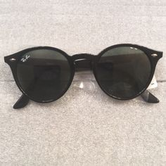 Ray-Ban ORB 2180, 601/71 49! Black! NWT! Authentic Ray-Ban ORB 2180, 601/71 49! Black! New with tags! Ray-Ban Accessories Sunglasses
