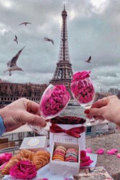 Eiffel tower 🗼 I ♥ Paris 2 Paris Pictures, Paris Photos, Sfs Instagram, Nature Instagram, Torre Eiffel Paris, Paris Wallpaper, I Love Paris, Pink Paris, Beautiful Paris