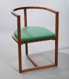 Karol Tichy, Armchair from bedroom furniture set, made in the workshop of Andrzej Sydor in Krakow, 1909, collections of the National Museum in Warsaw. Photo: Michał Korta