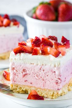 Strawberry ice cream, whipped cream and fresh berries make this strawberry shortcake ice cream cake impossible to resist. All you have to do is assemble the layers - no baking involved - for the perfect no-bake summer treat. Ice Cream Desserts, Strawberry Desserts, Frozen Desserts, Summer Desserts, Ice Cream Recipes, Just Desserts, Ice Cream Cakes, Chocolate Strawberries, Covered Strawberries