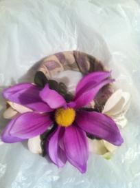 girls: purple & white floral wrap bracelet