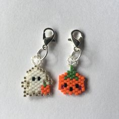 Original Bead Designs by BeadCrumbs the CUTE brick stitch charm shop by BeadCrumbs on Etsythe CUTE brick stitch charm shop by BeadCrumbs on Etsy Halloween Beads, Halloween Earrings, Brick Stitch Patterns, Beaded Earrings, Beaded Jewelry, Beadwork Designs, Peyote Beading, Peyote Stitch, Bead Weaving