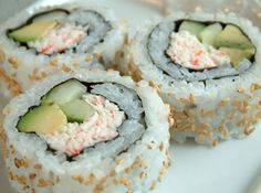 Crab Rolls (Sushi) California Crab Rolls Recipe look tasty! California Crab Rolls Recipe look tasty! How To Make California Rolls, California Roll Recipes, California Roll Sushi, California California, California Roll Filling Recipe, California Closets, Crab Rolls, Rolls Rolls, Rice Rolls