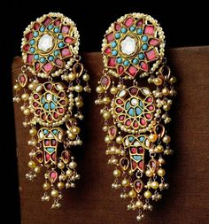 Handcrafted Luxury From Jaipur A luxury brand that meticulous artistry through timeless jewels and accessories. Indian Jewelry Earrings, Indian Wedding Jewelry, Bridal Jewelry, Ethnic Jewelry, Amrapali Jewellery, Jewellery Sale, Resin Jewellery, Designer Jewellery, India Jewelry