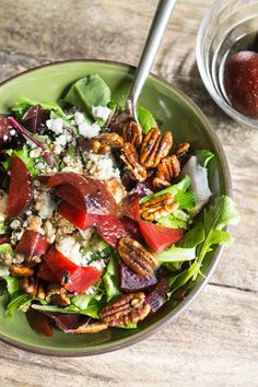 I'm pretty excited to share with you my latest favourite thing ever: sweet balsamic vinaigrette. This is a pretty big statement coming from someone who previously despised anything and everything balsamic. Let's just say miracles…