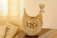 Chioccia in ceramica, pezzi unici prodotti interamente a mano. Produzione laboratorio Farci di Assemini (CA).