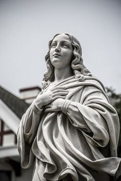 St Mary's of the Assumption Parish 46 Richmond Avenue Deal, NJ 07723 Ancient Greek Sculpture, Greek Statues, Roman Sculpture, Art Sculpture, Sculpture Portrait, Catholic Art, Religious Art, Virgin Mary Statue, Statue Tattoo