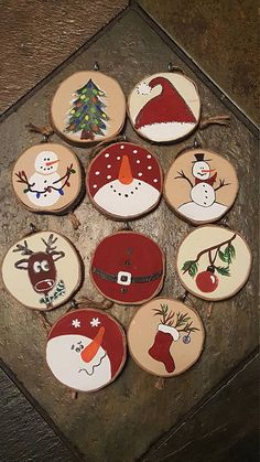 Various painted wood slice ornaments that include snowmen, stockings, deer and trees - 25 Rustic Wood Slice Christmas Decor Ideas Just in time to decorate your Christmas tree! Set of 10 ornaments made wood slices. Gonna rock rustic decor this Christmas? Christmas Design, Christmas Projects, Kids Christmas, Christmas Wood Crafts, Snowman Crafts, Natural Christmas Decorations, Christmas Decorating Ideas, Decorating Ornaments, Winter Wood Crafts