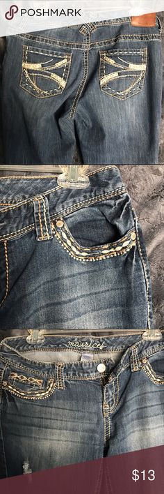 Maurice's Jeans Denim jeans. Size 9/10 Reg. Picture shows hem wear but good condition otherwise. Maurices Jeans Boot Cut