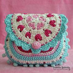 Heart purse via Craftsy