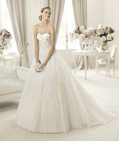 Pronovias PLANETA, $899 Size: 6 | Sample Wedding Dresses #wedding #mybigday #modernprincess