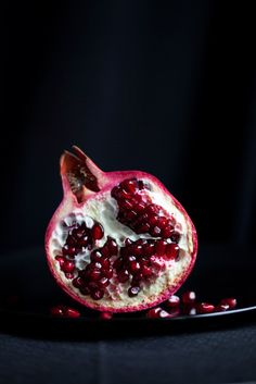 Food Photography: pomegranate | pomegranate . Granatapfel . grenade | Food. Art + Style. Photography: Food on black by Araceli Paz |