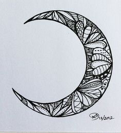 wow this is the kind of zentangle kind of thing i want to be doing Tatoo Henna, 1 Tattoo, Tatoo Art, Piercing Tattoo, Piercings, Tattoo Moon, Henna Moon, Tattoo Celtic, Tattoo Neck