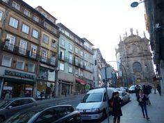 Con alma de valija.: El viejo mercado de Oporto y sus tiendas aledañas....