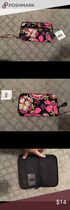Vera Bradley wallet NWT Vera Bradley wallet Vera Bradley Bags Wallets