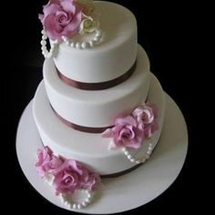 Title : Cheap Wedding Cakes Description : Cheap Wedding Cakes Cheap Wedding Cake ideas, by manassas cakery If you have your heart set on a particular styl. Cheap Wedding Cakes, Cake Wedding, Wedding Cake Pearls, Traditional Wedding Cakes, Cream Wedding, Purple Wedding, Wedding Sweets, Fancy Cakes, Pretty Cakes