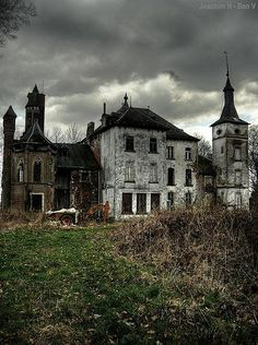 Chateau  ..scary with dark coluds.  Storm?