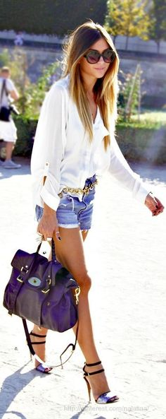 Street style | White loose blouse, shorts and heels