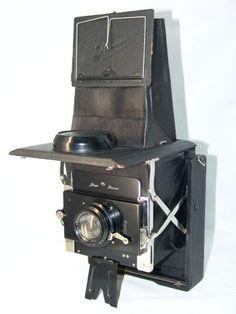Sophisticated Ihagee reflex camera