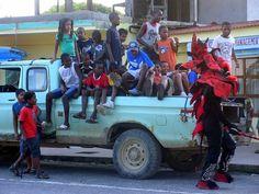 """Panama, mas probablemente durante Carnaval. Se ve el Diablo con su """"Wipy"""" que es un palo con una soga, que nos correteaba para pegarnos. Jajaja esos fueron los tiempos !"""