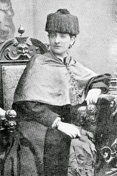 Martina Castells y Ballespí  medico española, y primera mujer doctorada en medicina en España. Nació en Lérida el 23 de julio de 1852. Hija de Martín Castells Melcior y Luisa Ballespí Solanes, fue una médico española, conocida por ser una de las tres primeras mujeres de España, junto con María Elena Maseras y Dolors Aleu, en matricularse (1877) y licenciarse en Medicina (1882, por la Universidad de Barcelona).