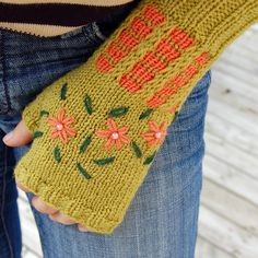Embroidered Mitts