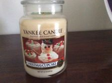 Yankee candle welcome Christmas Yankee Candle Christmas, Christmas Candles, Christmas Cupcakes, Coconut Oil, Jar, Christmas Biscuits, Jars, Drinkware, Twinkle Lights