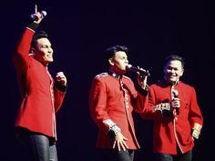 KRU ubati rindu peminat   KRU  KUMPULANtrio KRU kembali menghiburkan peminat dengan mengadakan konsert sempena ulang tahun ke-25 pembabitan dalam industri hiburan tanah air. Konsert yang dinamakan sebagai KRU 25 itu diadakan sempena sambutan Pesta Raya Festival 2016 dan berlangsung di Concert Hall Esplanade Singapura pada 6 Ogos lalu. Dalam konsert itu KRU yang dianggotai Datuk Norman Abdul Halim Yusry Abdul Halim dan Edry Abdul Halim menyampaikan lebih 17 lagu popular mereka. Antara…