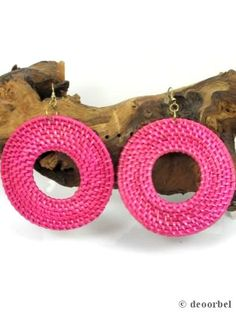 Grote ronde roze oorbellen van pitriet (hanger) voor maar €5.95 per paar bij Deoorbel.nl