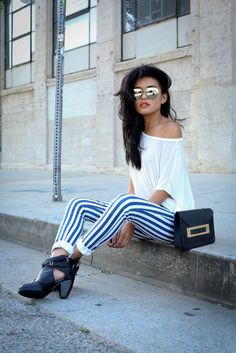 I could recreate this by wearing my black gingham Topshop leggings, my black booties and a white tee, maybe invest in one like this. You are your best outfit. Find out how. CLICK THE PHOTO :) Trendy Outfits, Summer Outfits, Cute Outfits, Winter Typ, Outfit Trends, Outfit Ideas, Vogue, Ootd, Outfits