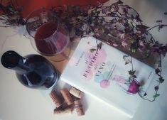 Il respiro del vino, di Luigi Moio - Cronache Letterarie Luigi, Alcoholic Drinks, Wine, Glass, Food, Drinkware, Corning Glass, Essen, Liquor Drinks
