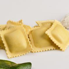 ¿Sabías que... la pasta procede de China? Fue Marco Polo quien la llevó a Italia y se convirtió en uno de los platos más populares. #curiosidades #cocina #pasta
