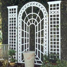 Perspective trellis set