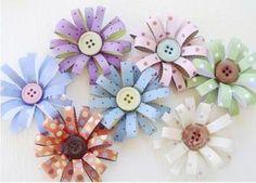 ATELIER CHERRY:  Flor de tiras  flores feitas com tiras de papel, tão bonitinhas... e é bom pra aproveitar aqueles restinhos de papel!