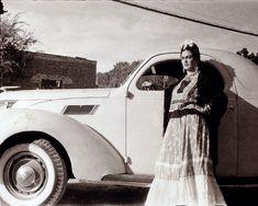 Frida image courtesy of Banco de Mexico.