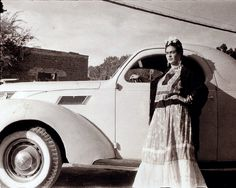 Frida with her car