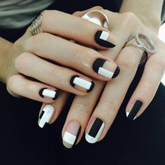 <3 BLACK AND WHITE: My First Love <3 <3 15 Minimalist Nail Art Ideas that refused to Die