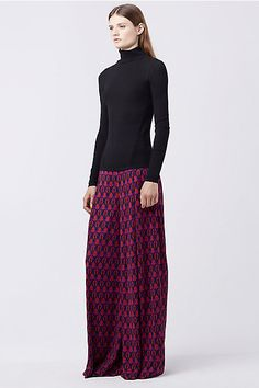 e1953754f07 The DVF Stanton pant features a bright geometric print
