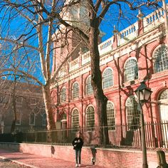 2018/1/18 I went to the Old city and Independence mall Liberty bell yesterday. Liberty bell is the most famous bell in the world. Liberty bell is the bell that announced the Declaration pf Independence.  And After i finished school field trip i just walked on street. The buildings in USA are all artistic and beautiful. Also i saw very cute squirrel. And i went to the shopping center.  So i was very tired yesterday…