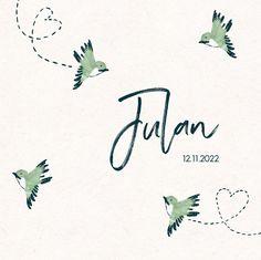 De vogels zijn door hipDesign geïllustreerd en ingekleurd met blauw en groen. Kies bijvoorbeeld voor de papiersoort oud-hollands en combineer met een donkerblauwe envelop. Zo maak je het kaartje helemaal stoer.