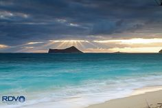 (2)  Manana Island Sun Rays: By Ronald Varley on Google+ -