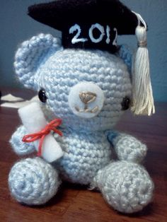 Crochet Amigurumi: Graduation Teddy