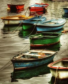 Row Boats On Water Reflection Photography Wallpapers) Foto Hdr, Pretty Pictures, Cool Photos, Muse Kunst, Boat Art, Muse Art, Wooden Ship, Wooden Boats, Fishing Boats